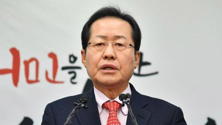 """홍준표 """"법 고치면 지방분권 가능…정부 '개헌 거짓'"""""""